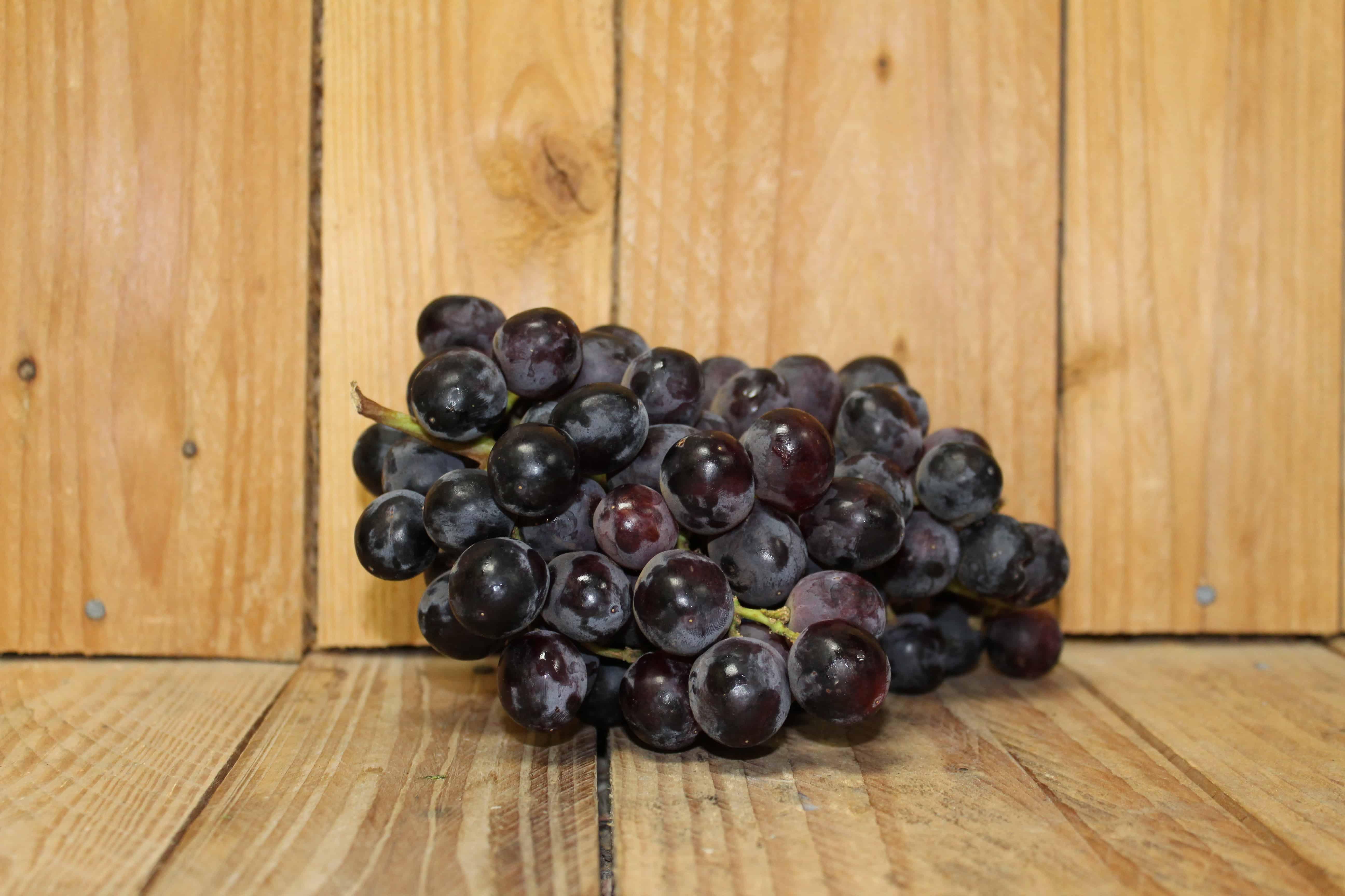 Grapes – Black Seedless MEXICO (400g Basket)